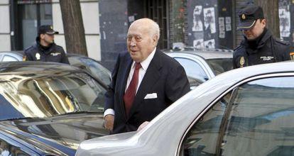El extesorero del PP Álvaro Lapuerta llega a la sede de la Fiscalía Anticorrupción.