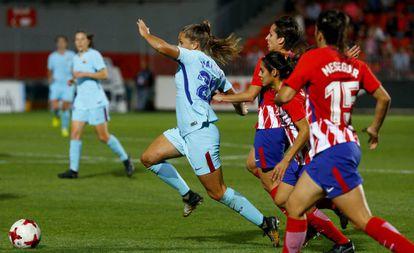 Lieke Martens, persegida por defensoras del Atlético.