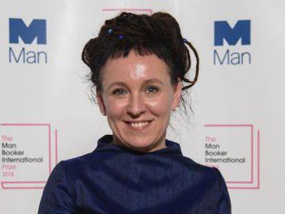 La escritora polaca ha recibido el galardón por su novela  Flights