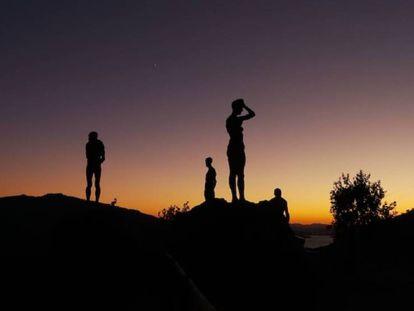 Grupo escultórico que conmemora a las víctimas del franquismo en El Torno (Cáceres). En vídeo, tráiler del documental.