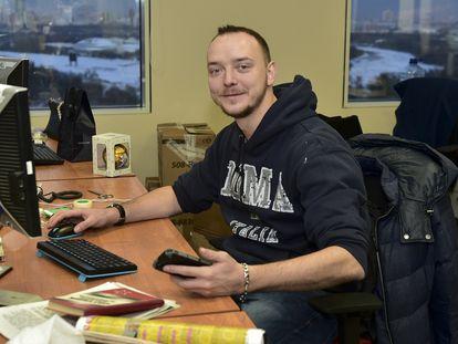 Ivan Safronov en una fotografía de 2016 tomada en su puesto de trabajo en un diario ruso.