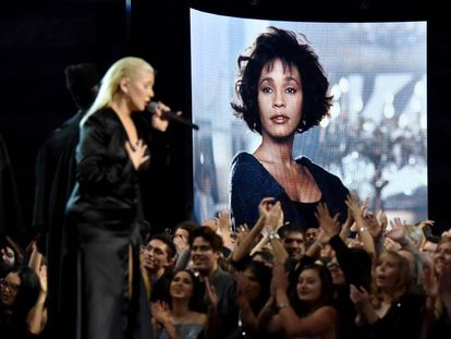 Christina Aguilera, durante su actuación en los American Music Awards en el teatro Microsoft de Los Ángeles.