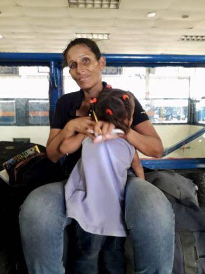 Carmen Elisa Rubio, el pasado miércoles en la terminal de autobuses de La Bandera en Caracas.