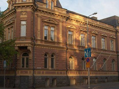 Signelinna (casa Newander): Edificio residencial en la ciudad de Pori (Finlandia) terminado en 1892, diseñado por la arquitecta Signe Hornborg.