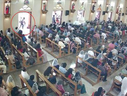 Un presunto terrorista suicida cerca de la iglesia de San Sebastián, en Negombo. En vídeo, uno de los terroristas identificados.