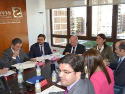 Reunión del Consejo de la Formación Profesional presidido por la consejera de Educación.
