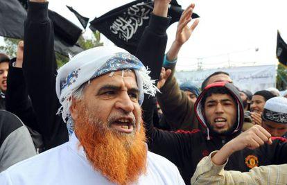 Salafistas claman por un Estado islámico en la avenida Bourguiba.