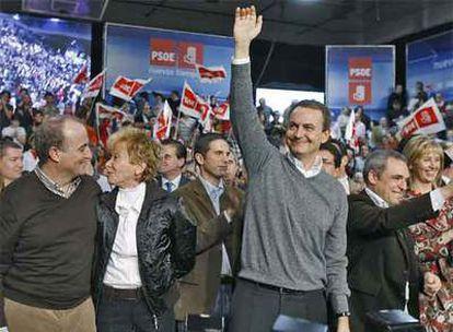 Zapatero, De la Vega, Simancas y Miguel Sebastián, durante la presentación de candidatos a las alcaldías de grandes municipios de la Comunidad de Madrid.