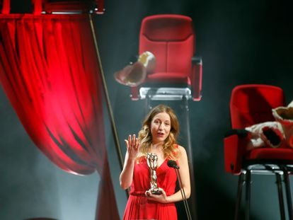 Pilar Palomero, mejor directora en los Premios Gaudí de cine catalán.