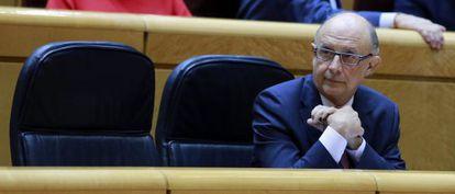 El ministro de Hacienda, Cristóbal Montoro, en el debate de la reforma fiscal.