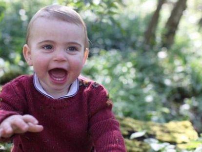 Luis de Cambridge, en las fotos de su primer cumpleaños.