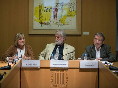 Maria Teresa Cabré, Joandomènec Ros y Vicent Pitarch.