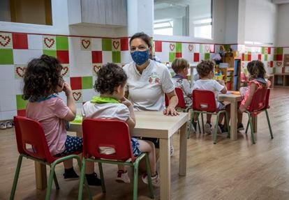 Beatriz Esparza, dueña de la escuela infantil Risitas, en el barrio de Patraix de Valencia.