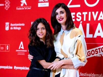 Paz Vega con su hija Ava Salazar, en el Festival de Cine de Málaga el pasado domingo.