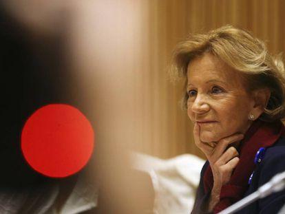 La exvicepresidenta del Gobierno Elena Salgado, durante su compareccencia en la Comisión sobre la crisis en el Congreso.