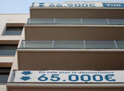 Viviendas de Habitat en venta con anuncios de descuento en el barrio del Poblenou de Barcelona.