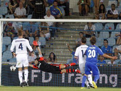 Valera logra el primer gol del Getafe.