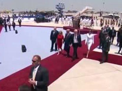 Melania rechaza dar la mano a Trump a su llegada a Israel