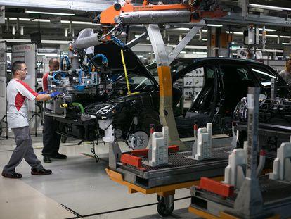 Cadena de montaje en la fábrica de Seat, en Martorell.