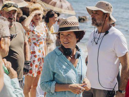 Icíar Bollain, durante el rodaje en Benicàssim de 'La boda de Rosa'.