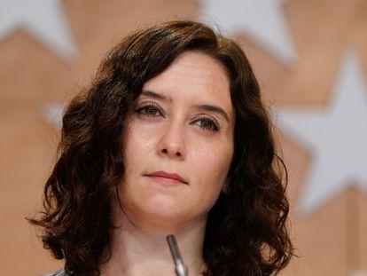 La presidenta de la Comunidad de Madrid, Isabel Díaz Ayuso, comparece en rueda de prensa en mayo de 2020.