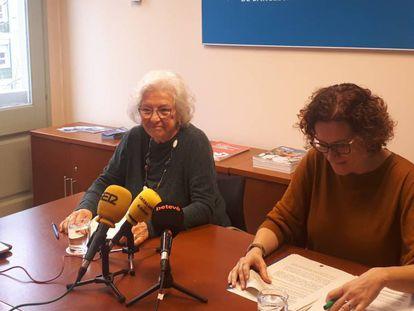 La síndica  , Maria Assumpció Vilà, y la adjunta Natalia Ferrer.