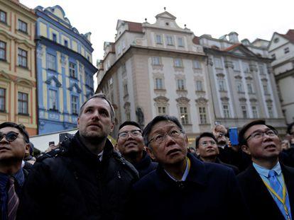 El alcalde de Praga, Zdenek Hrib, junto a su homólogo taiwanés, Ko Wen-je, en la capital checa el 13 de enero de 2020.