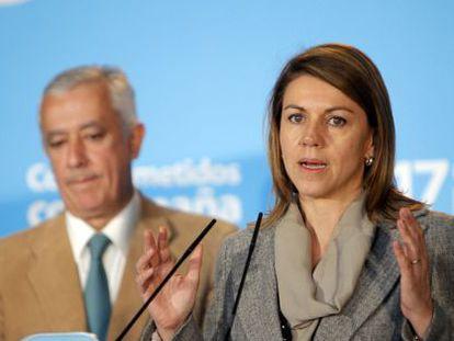 Dolores de Cospedal y Javier Arenas presentan el congreso del PP.