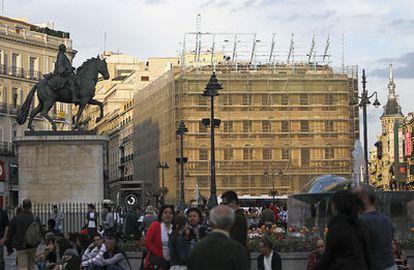 Número 1 de la Puerta del Sol, sin su distintivo anuncio de Tío Pepe.