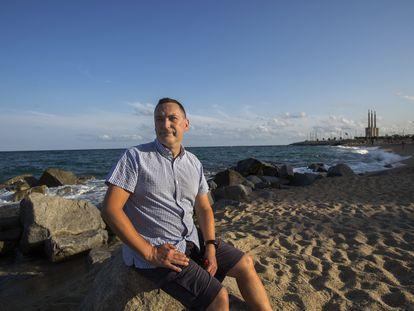 Francisco J. Doblas-Reyes, investigador del Centro Nacional de Supercomputación de Barcelona, en la playa de Badalona, en Barcelona, el 2 de agosto.