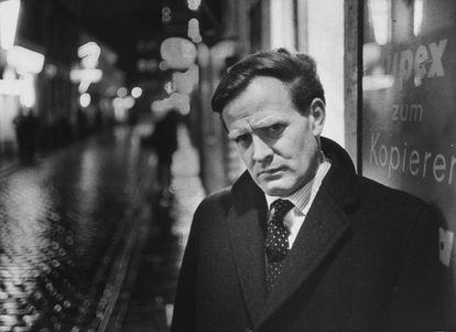 El escritor John Le Carré, en 1963.