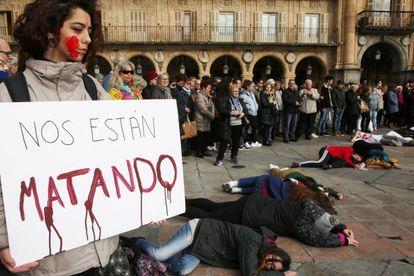 Concentración en la Plaza Mayor de Salamanca por el asesinato de Laura Luelmo.