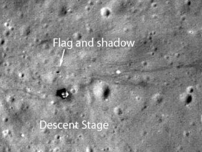Imagen de la bandera colocada por la misión 'Apollo 17' en 1972.