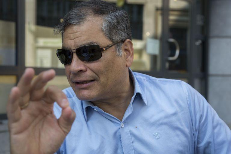 El expresidente ecuatoriano, Rafael Correa, en una terraza de Bruselas, en septiembre de 2020.