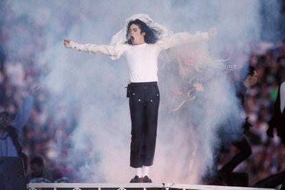 Michael Jackson falleció el 25 de junio de 2009 y desde entonces, lógicamente, la única manera de verle en directo es en forma de holograma.