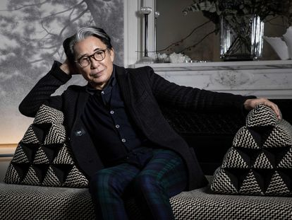 Kenzo Takada, en su casa de París en 2019.
