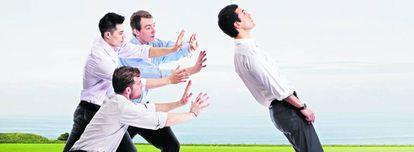 Un empleado con experiencia en la empresa sabrá con más claridad en quién puede confiar para cada tarea.