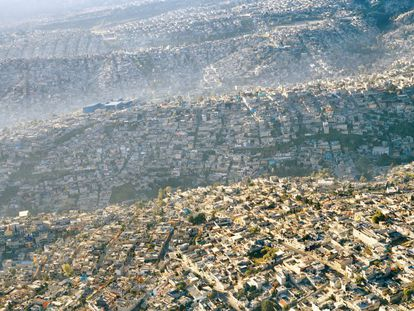 Vista parcial de Ciudad de México, la mayor urbe de América Latina.