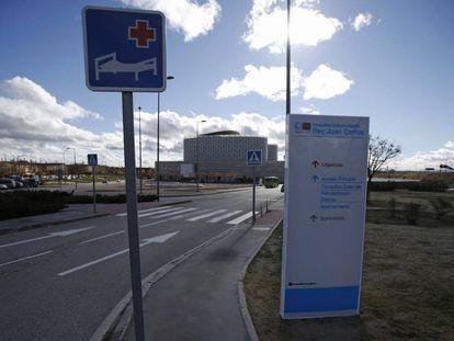 Acceso al Hospital Rey Juan Carlos, en Mostoles.