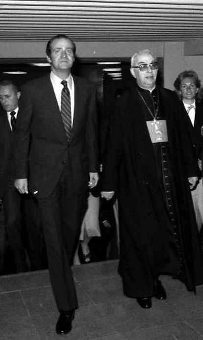El rey Juan Carlos junto con el cardenal Tarancón en un acto en 1980