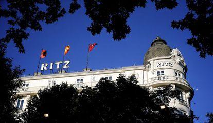 La cúpula del emblemático hotel Ritz de Madrid, en la Plaza de la Lealtad.