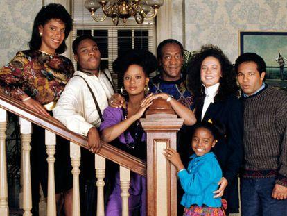 Geoffrey Owens (derecha), en una imagen promocional de 'El show de Bill Cosby'.