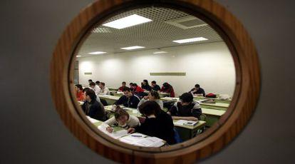 Estudiantes de informática en un aula de la Universidad Politécnica de Valencia.