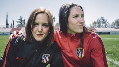 Silvia Meseguer, a la derecha, junto a la nutricionista del club, Bárbara Sánchez.
