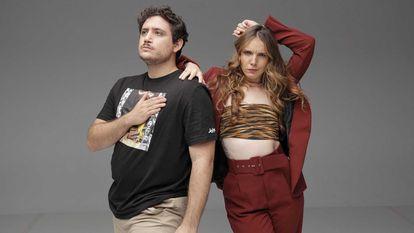 Darío Eme Hache e Inés Hernand, presentadores de 'Gen Playz'.