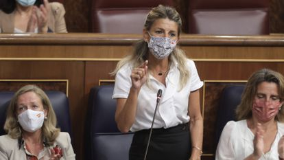 La vicepresidenta segunda del Gobierno y ministra de Trabajo y Economía Social, Yolanda Díaz, interviene en una sesión de control al Gobierno en el Congreso de los Diputados el pasado 15 de septiembre.