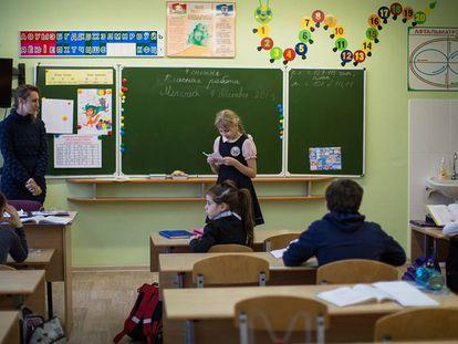 Una clase del Gimnasio 28 de Minsk, que tiene un programa en lengua bielorusa.
