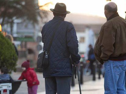 Dos jubilados de Manzanares el Real (Madrid)