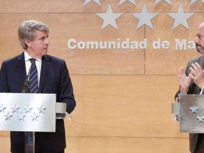 El presidente Garrido y el vicepresidente, Pedro Rollán, tras el consejo, este martes.