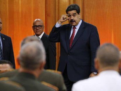 Nicolas Maduro habla frente a la cúpula militar de Venezuela, este viernes en Caracas.